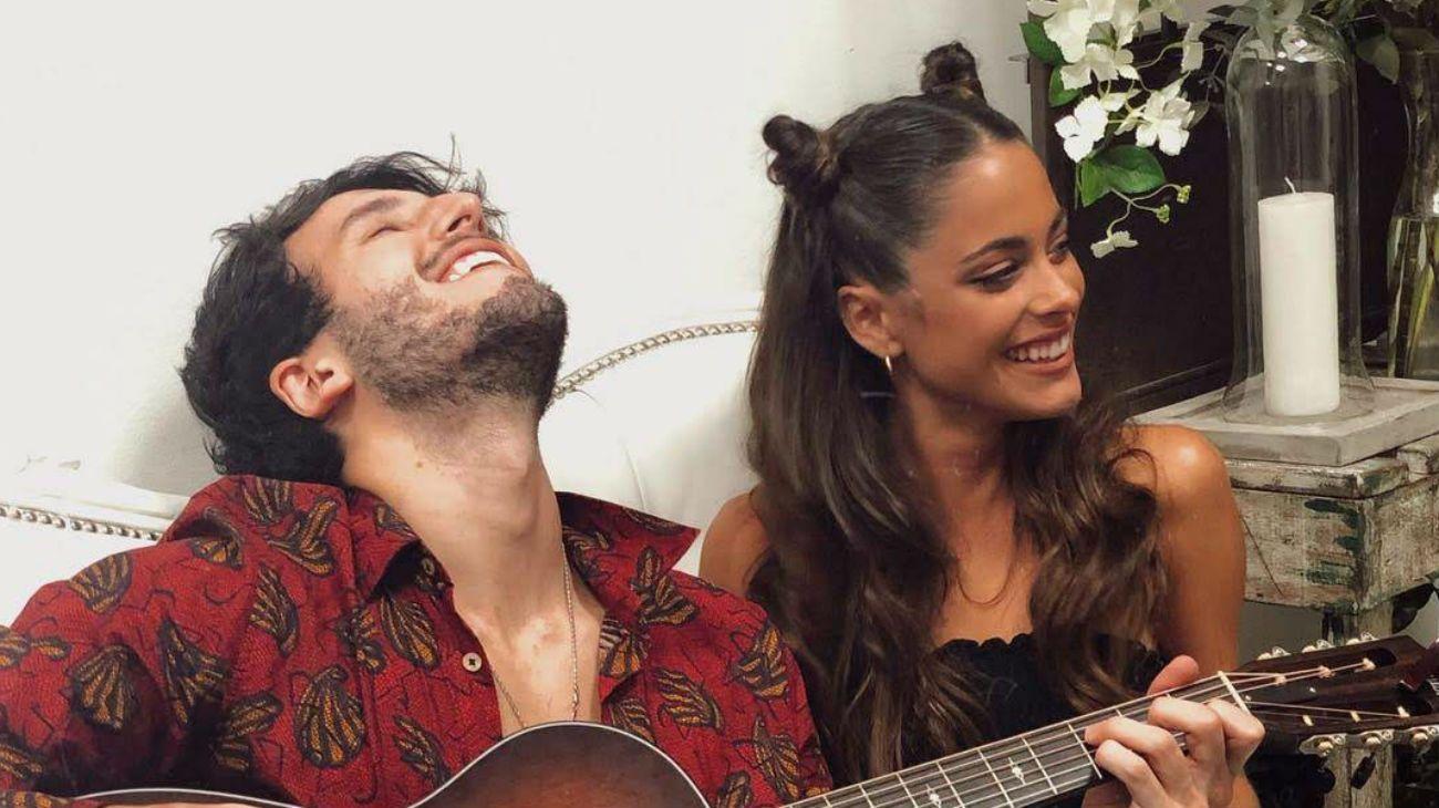 Esta imagen confirmaría el romance entre Sebastián Yatra y Tini Stoessel
