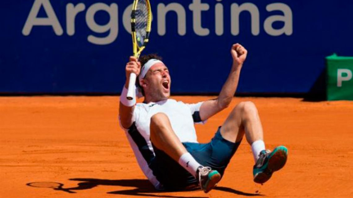 Marco Cecchinato celebrates his victory.