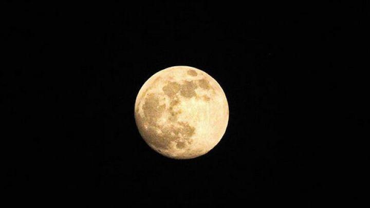 """Súper luna de 2019: qué es la """"luna llena de gusano"""""""