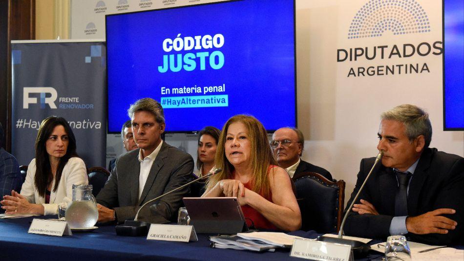 Los diputados nacionales y los equipos técnicos del Frente Renovador presentaron su proyecto de reforma del Código Penal.