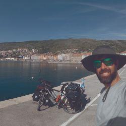En la segunta etapa de la Ruta de la Seda, de Italia hasta Grecia, el camino brindó sol, playa y un incidente desafortunado. Pero nada empañó la hospitalidad y la belleza de Europa.