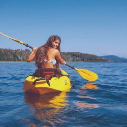 Cómo disfrutar de toda la naturaleza que ofrece Bariloche: rafting, kayak, cabalgatas, 600 km de senderos y más de 10 refugios de montaña.