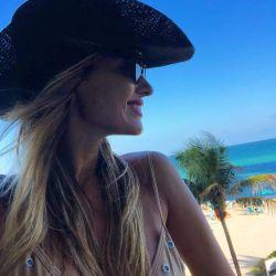 Pampita, relajada y feliz en Miami