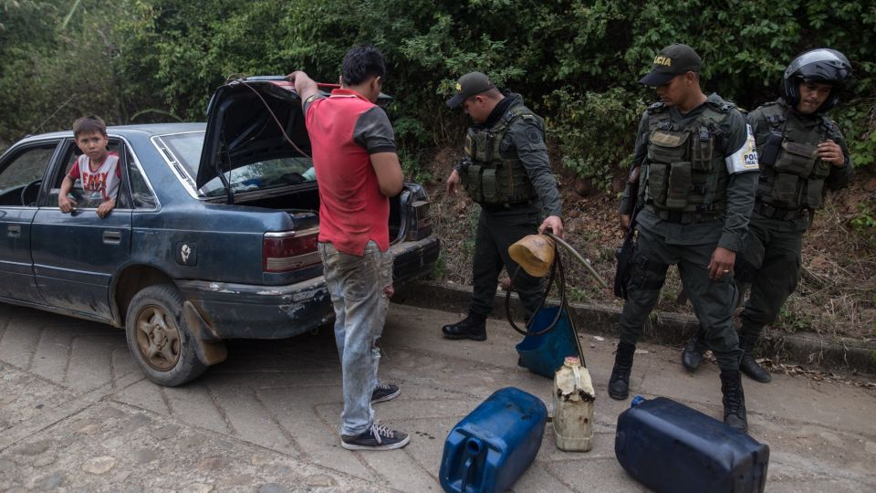 Colombian Police Forces Patrol Smuggling Routes On Border As Maduro Blocks Aid