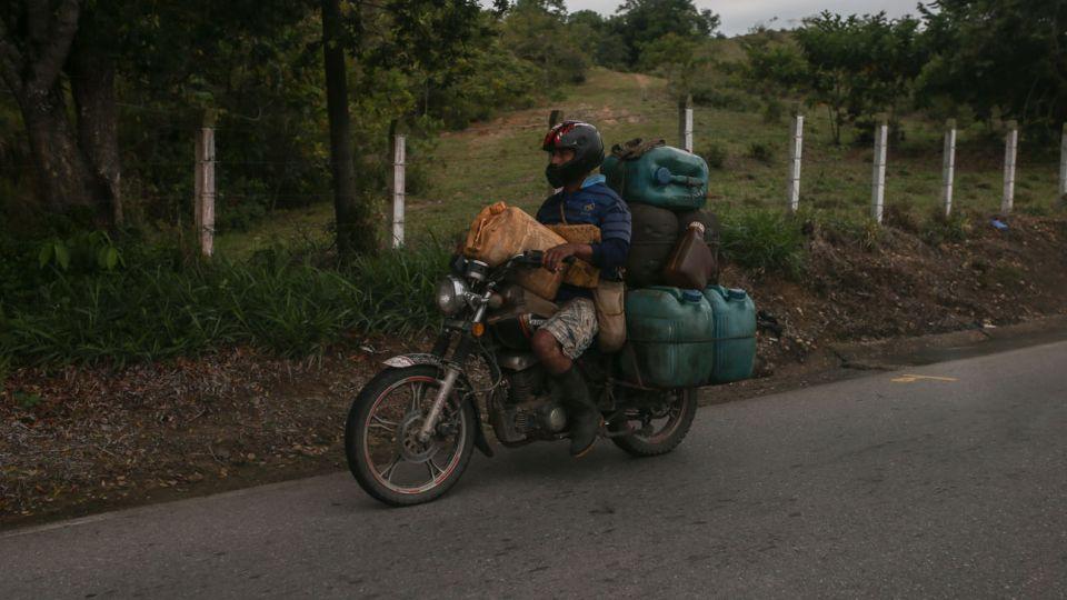 Contrabandistas de combustibles en Venezuela