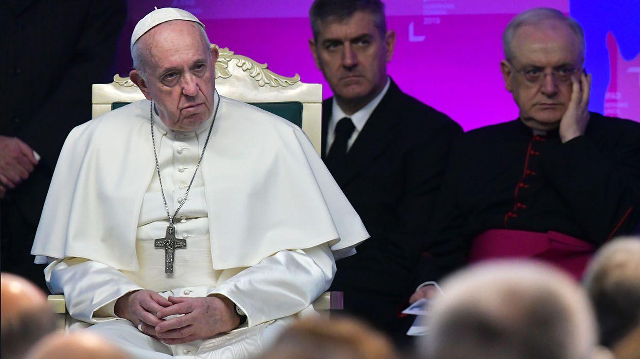 Revelan que el Vaticano tiene reglas secretas para sacerdotes con hijos