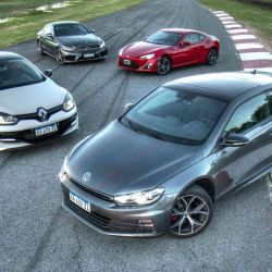 Múltiple comparativo: VW Scirocco GTS vs Renault Megane RS VS Toyota 86 vs Mercedes-Benz C300 Coupé