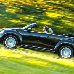 Panning del Volkswagen Beetle cabrio