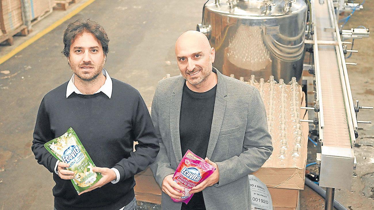 Joven. Así llaman a su producto Guido y Julián Mellicovsky, en su planta de Virrey del Pino.