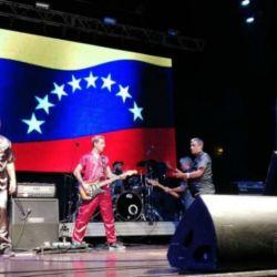 El recital se llevó a cabo en la frontera con Colombia.