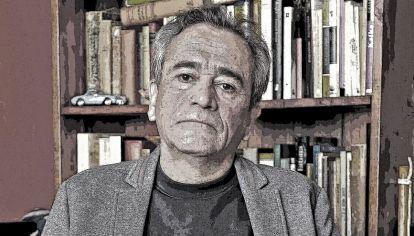 Detalles. Rosero ha publicado hasta el momento trece novelas. Desde la aparición de Los ejércitos (Premio Tusquets de Novela 2006), ha publicado siempre en la misma editorial.