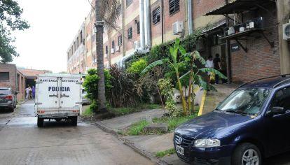 La puerta de la morgue donde está el cuerpo de Natacha Jaitt