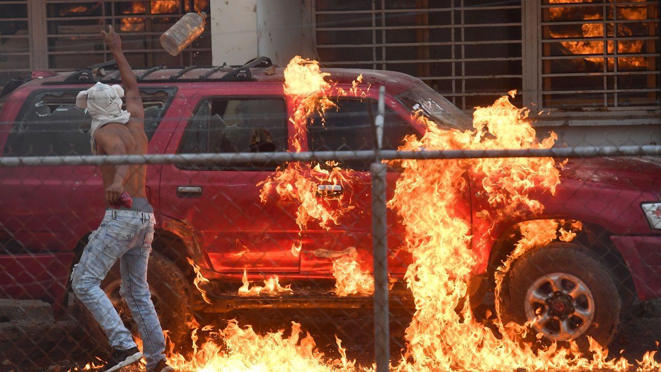 Al menos dos muertos y 42 heridos en las fronteras calientes de Venezuela