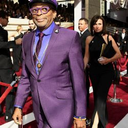 El cineasta Spike Lee con su estridente estilo