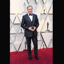 El nominado al Oscar, Viggo Mortensen, con un clásico look