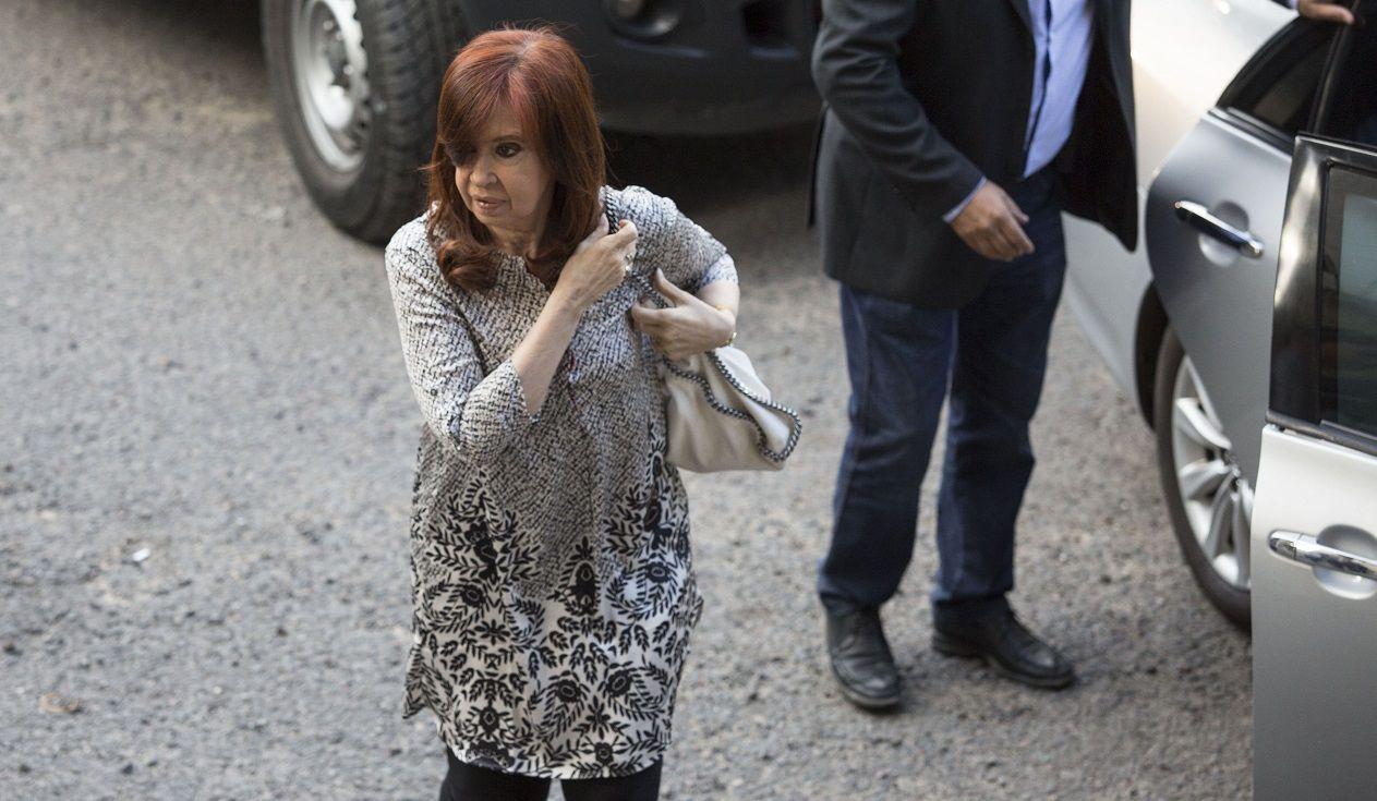 Cristina, ¿sin viaje?: un fiscal se opuso a que vuele a Cuba a ver a su hija