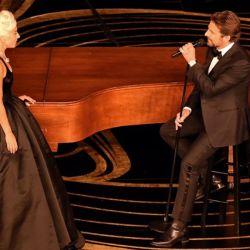 Lady Gaga y Bradley Cooper interpretaron Shallow.