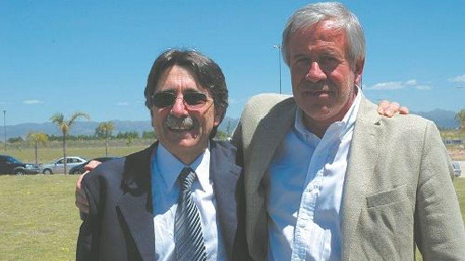 Osvaldo Acosta junto a Gerardo Ferreyra, de Electroingeniería.