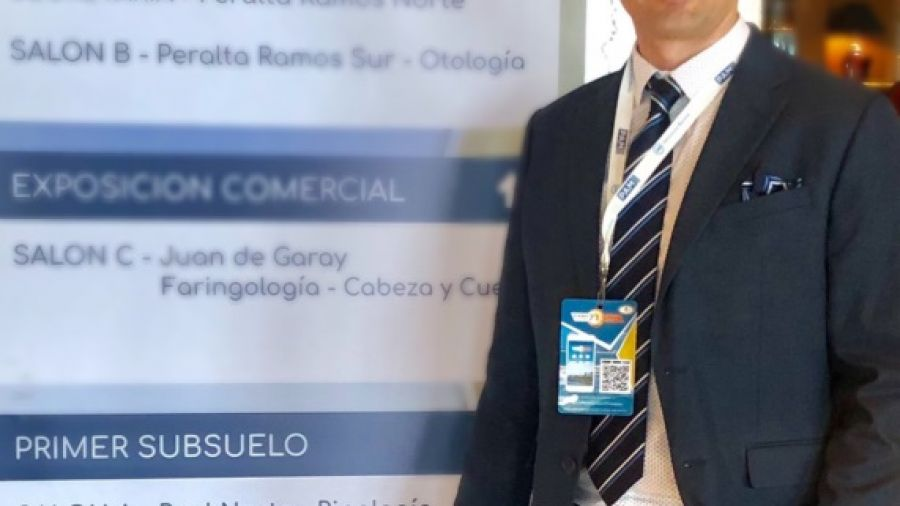 Dr. Ariel Kochol