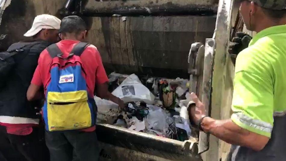 venezolanos comiendo de la basura 20190226
