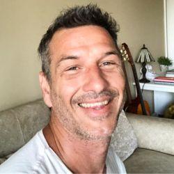Federico Amador y un fallido corte de pelo