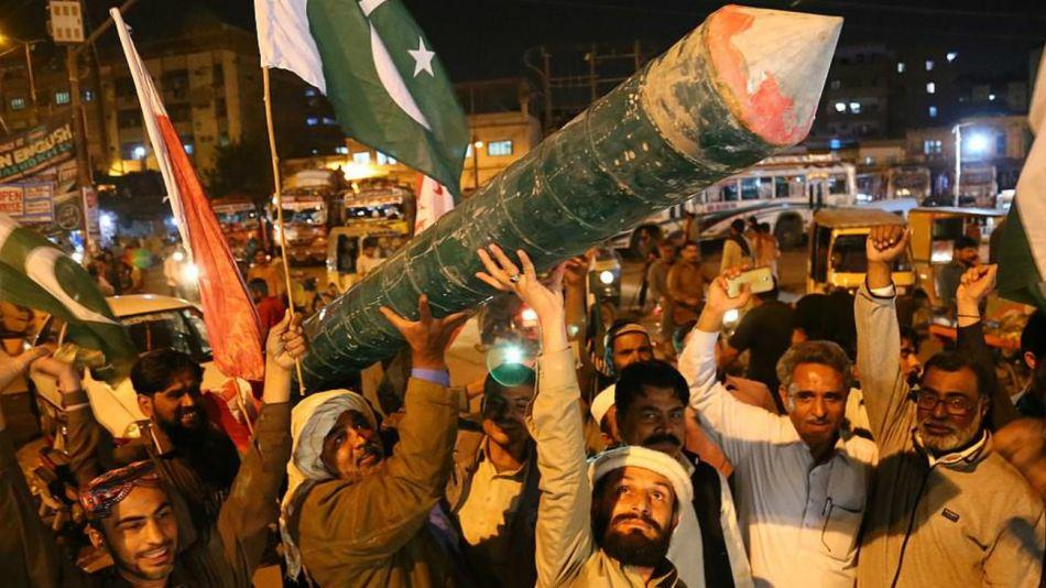 india y pakistan se preparan para la guerra