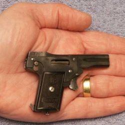 El deseo por innovar dio lugar a armas extremadamente raras que pasaron a la historia por sus inusuales características.