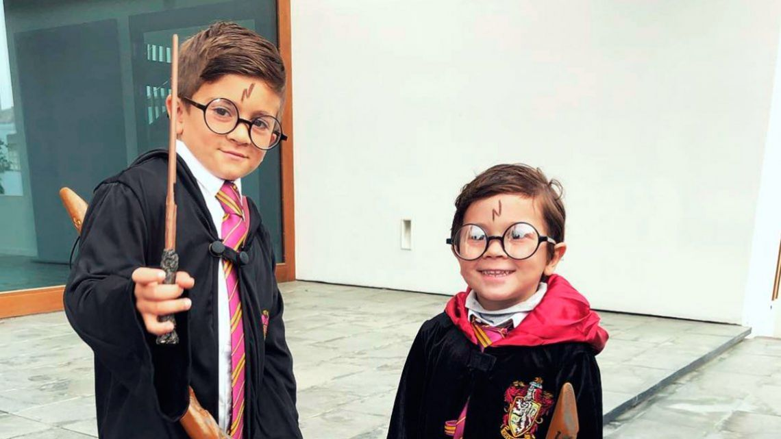 Thiago y Mateo Messi vestidos como Harry Potter