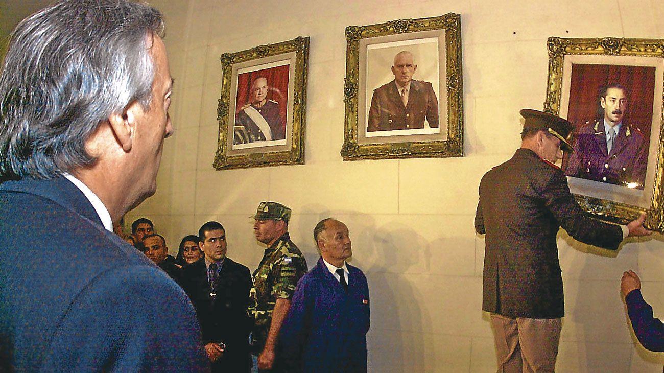 COLEGIO MILITAR. El expresidente Kirchner en marzo de 2004.