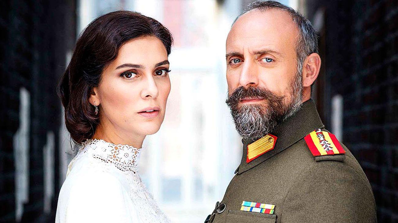 La pareja turca que enamoró al público se mudó a Telefe