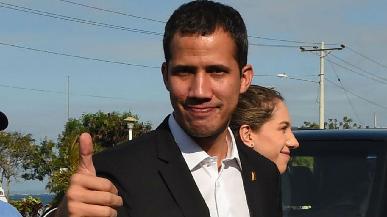 Juan Guaidó regresa a Venezuela y Nicolás Maduro anunció que podría detenerlo
