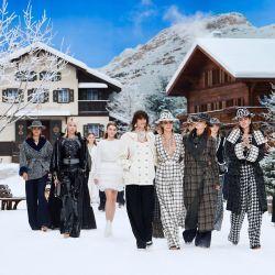 Chanel presentó la última colección creada por Karl lagerfeld