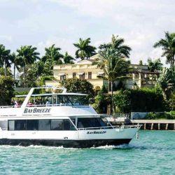 Los paseos en bote por Miami está entre las actividades más contratadas.