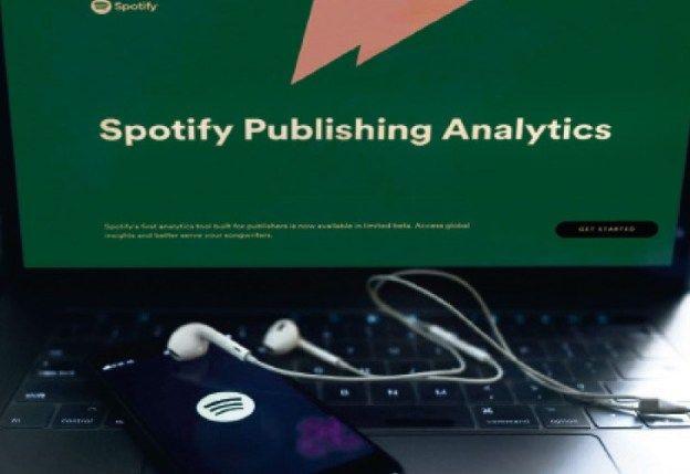 Spotify cae ante bajo crecimiento de suscriptores premium