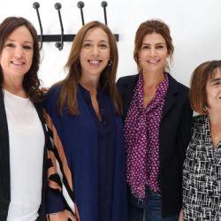 Juliana Awada junto a María Eugenia Vidal, Carolina Stanley y Fabiana Tuñez, visitó un hogar de protección integral para las mujeres.
