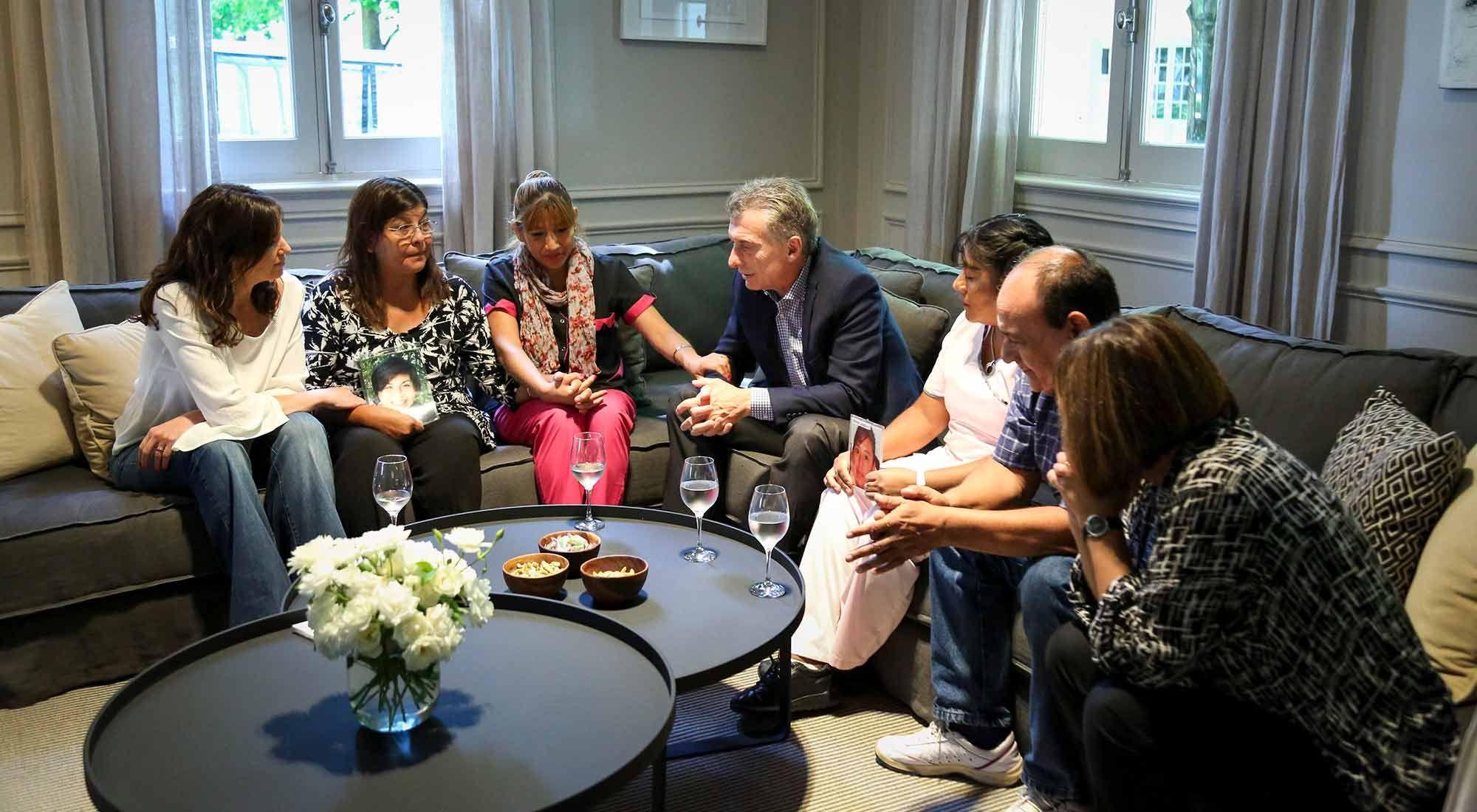 Mauricio Macri se reunió con familiares de víctimas de femicidios
