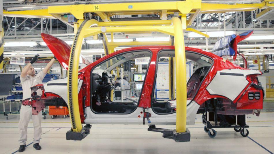 La producción de automóviles cayó un 16,4% en febrero