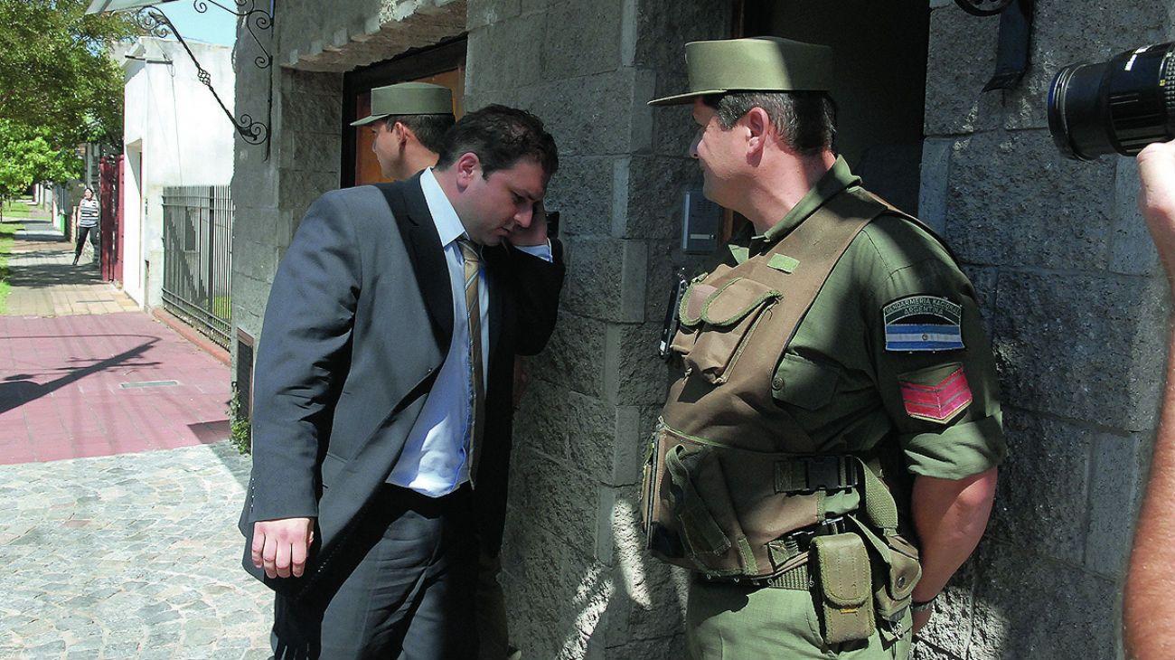 Suspenden y allanan al fiscal del triple crimen por el caso D'Alessio