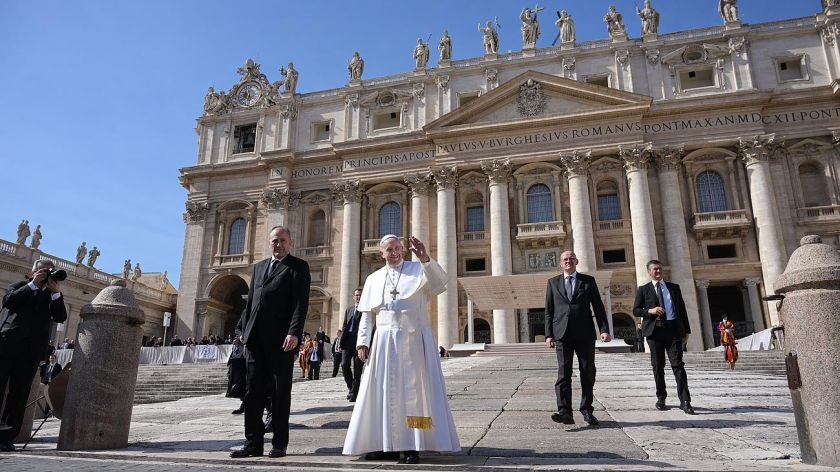 Cardenal australiano apelará condena por abuso sexual
