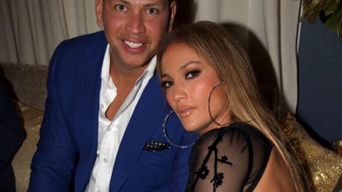Estiman en $1 millón la sortija de compromiso de Jennifer López