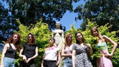 Ellas. Un grupo de  dramaturgas, las autoras.