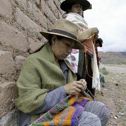 Las hilanderas y tejedoras forman parte de la historia de la Puna