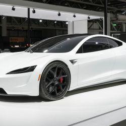 Modelo de exposición del Tesla Roadster 2020 exhibido en Suiza a fines de 2018
