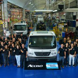 Lanzamiento industrial del Mercedes-Benz Accelo en la planta bonaerense de Virrey del Pino.