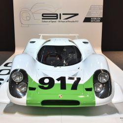 El 917-001 fue el primero de los 25 vehículos que tuvieron que fabricarse para cumplir con los requisitos de homologación.