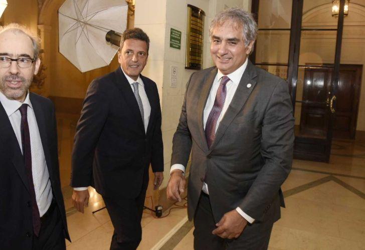 Gustavo González, Sergio Massa y Santiago Montoya. Legislatura porteña.