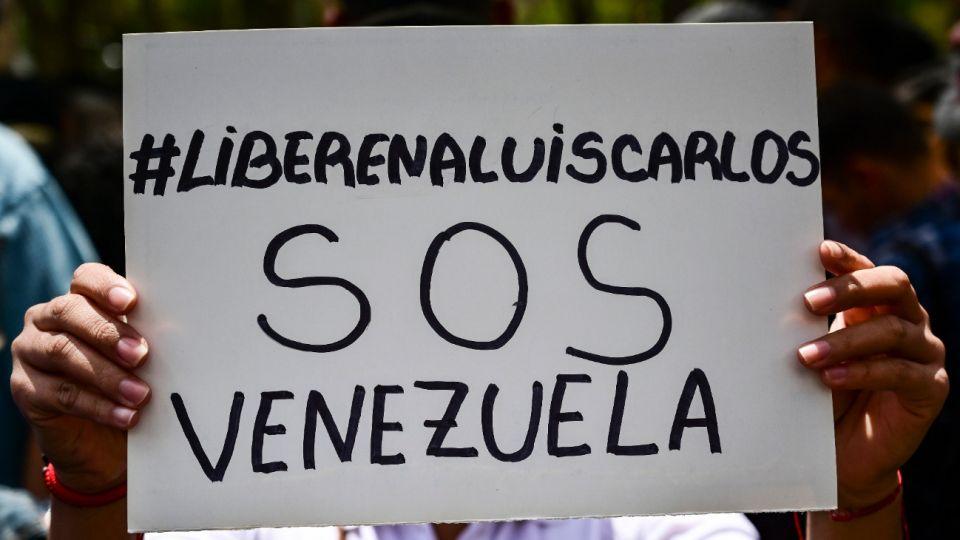 Manifestantes se movilizaron para pedir la liberación del periodista venezonalo Luis Carlos Díaz.