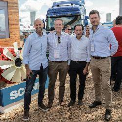 Directivos de Scania Argentina recibieron en Expoagro a Dante Sica, Ministro de Producción y Trabajo y Guillermo Dietrich, Ministro de Transporte.