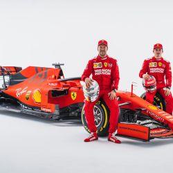 Vettel, Leclerc y la SF90: buscando romper una sequía de 12 años sin título de pilotos.