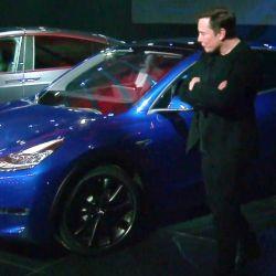 Elon Musk presenta el nuevo Tesla Model Y.